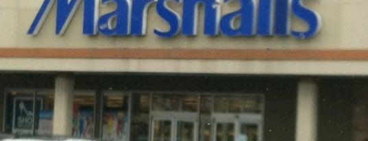 Marshalls is one of สถานที่ที่ Lyn ถูกใจ.