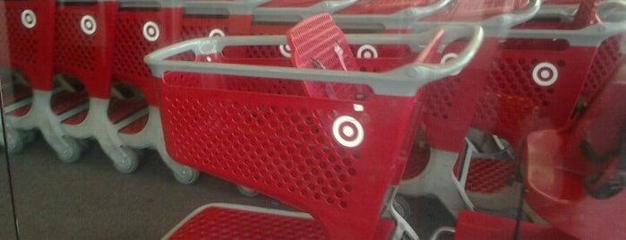 Target is one of Tempat yang Disukai Shawn Ryan.