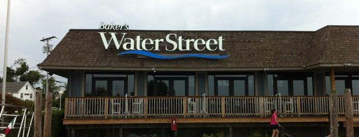 Baker's Water Street Bar & Grille is one of Tempat yang Disukai Christine.