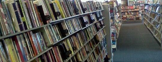 $1 Book Store is one of Aaliyah: сохраненные места.