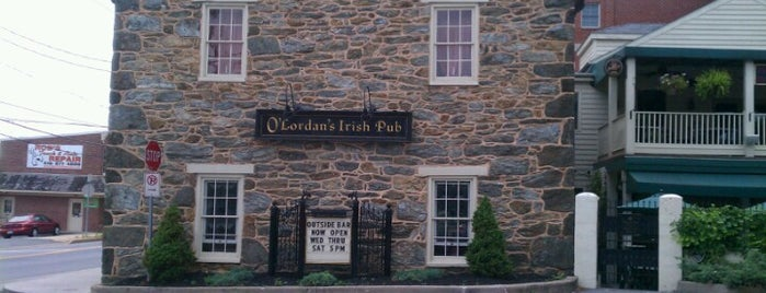O'Lordan's Irish Pub is one of CeCe's Places.