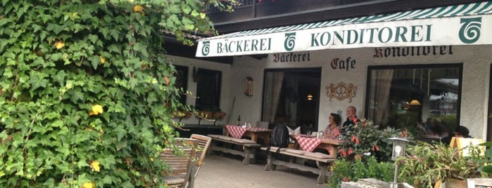 Konditorei Cafe Tremmel is one of Locais curtidos por Canburak.