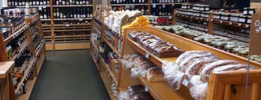Kudzu Bakery Market is one of Where in the World (to Dine, Part 4).