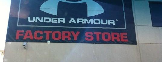 Under Armour Factory House is one of Orte, die JCakes❤ gefallen.