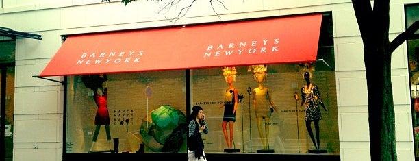 Barneys New York is one of Lugares favoritos de yåsü.