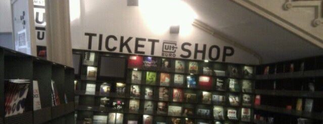 AUB Ticketshop is one of I amsterdam 님이 저장한 장소.