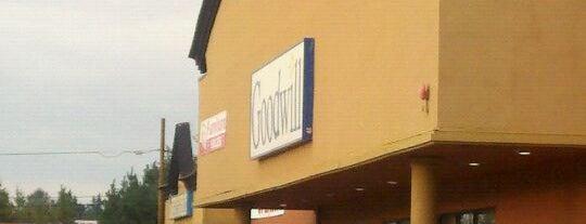 Goodwill Marysville is one of Lugares favoritos de DenMom & MoMo.
