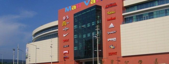 Mall Varna is one of Tempat yang Disukai Maksim.