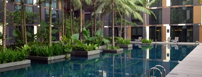 Crowne Plaza Changi Airport is one of Locais curtidos por J..