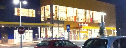 IKEA is one of Lieux qui ont plu à Cathelene.