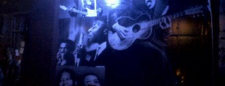 Blues Velvet Bar is one of Bares Rock em Curitiba.
