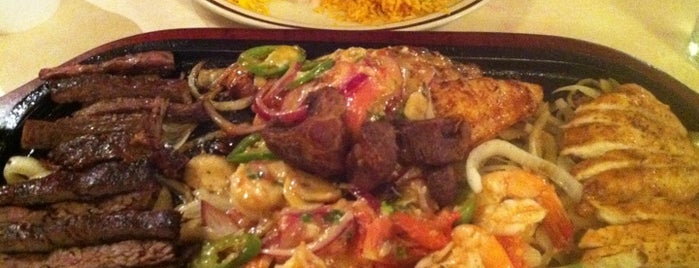 Los Cucos Mexican Cafe is one of Al's Cheap & Yummy Eats.