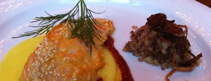 Mazza Restaurant is one of Posti che sono piaciuti a Marcel.