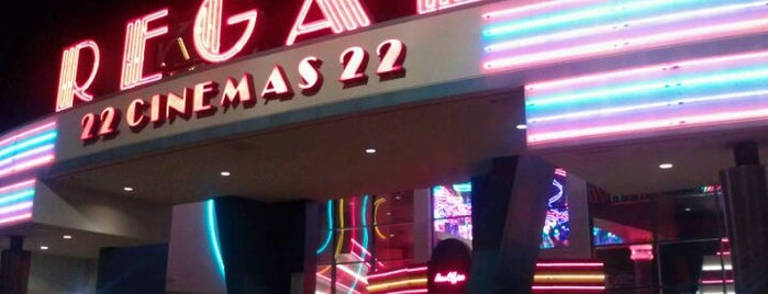Regal Cinemas 22 @ Austell is one of Locais curtidos por @TimekaWilliams.