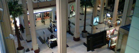 Newport Centre is one of New Jersey Shopping Malls.