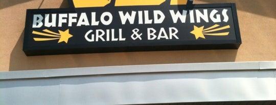 Buffalo Wild Wings is one of Lugares favoritos de Karmen.