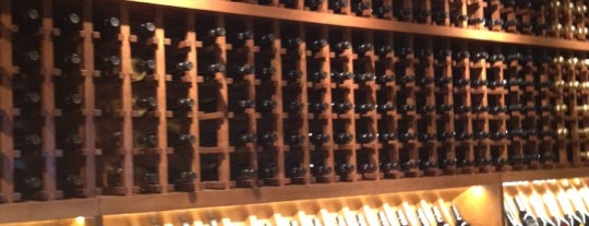 Cooper's Hawk Winery & Restaurant is one of Locais curtidos por Jeanne.