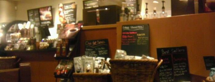 Starbucks is one of Locais curtidos por Laura.