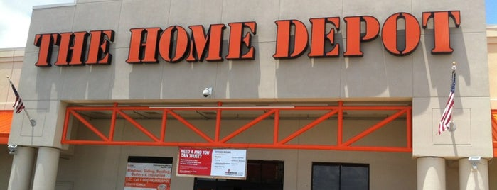 The Home Depot is one of Posti che sono piaciuti a Tammy.