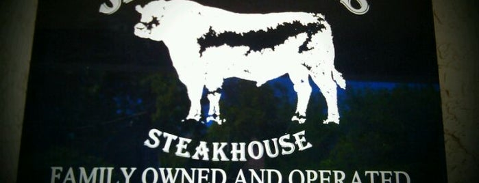 Jess & Jim's Steak House is one of Lugares guardados de Donovan.