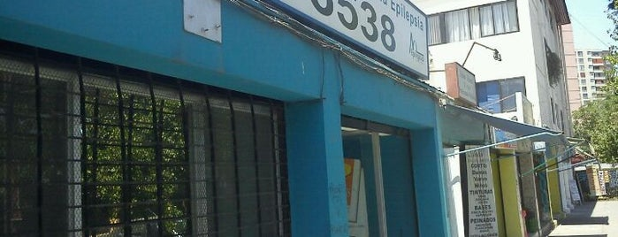 Liga Chilena conta la Epilepsia is one of Tempat yang Disukai Andree.