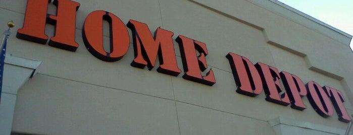 The Home Depot is one of Locais curtidos por Kris.