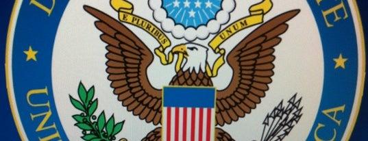 Embaixada dos Estados Unidos da América is one of Turismo.