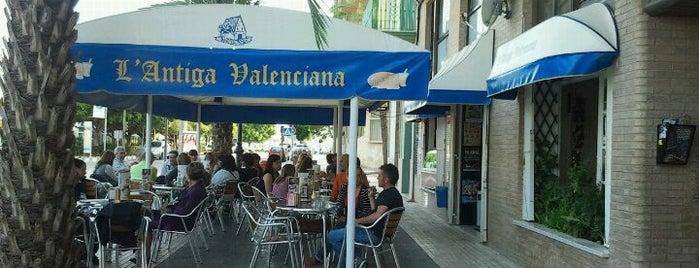L'Antiga Valenciana. Heladeria is one of Locais curtidos por Iris.