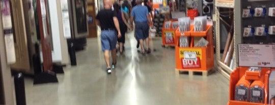 The Home Depot is one of Tempat yang Disukai Mark.
