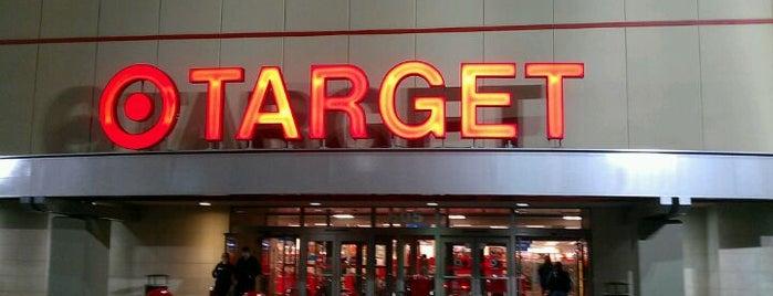 Target is one of สถานที่ที่บันทึกไว้ของ Yvonne.
