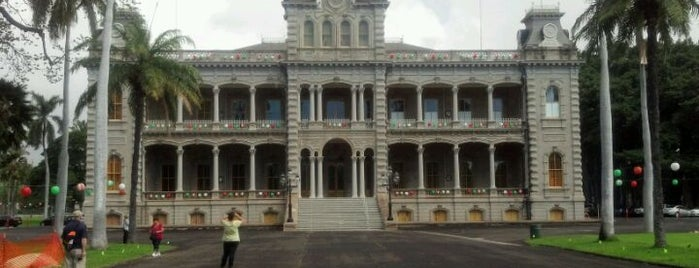 'Iolani Palace is one of Honolulu: The Big Pineapple #4sqCities.