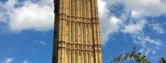 Big Ben (Torre Elisabeth) is one of London, UK.