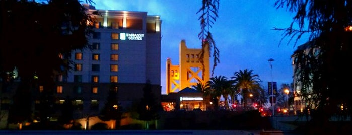 Embassy Suites by Hilton Sacramento Riverfront Promenade is one of Places I've stayed.