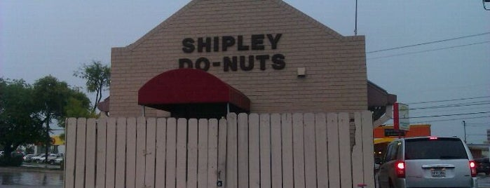 Shipley's Donuts is one of Lugares guardados de Kim.