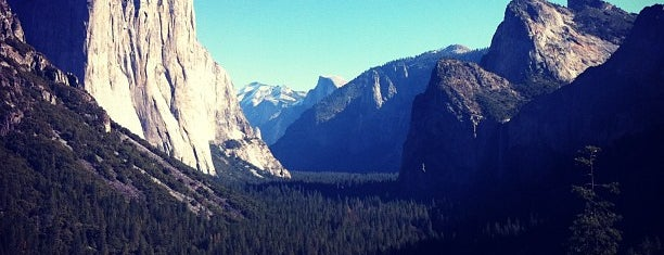 Tunnel View is one of Top photography spots.