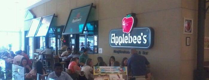 Applebee's is one of nem tão perto.