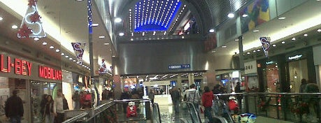 Baricentro is one of BCN MALLS.