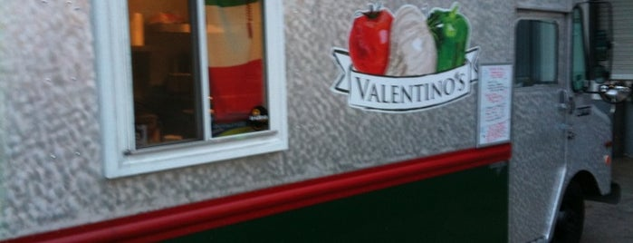 Valentinos Food Truck is one of Posti salvati di Hannah.