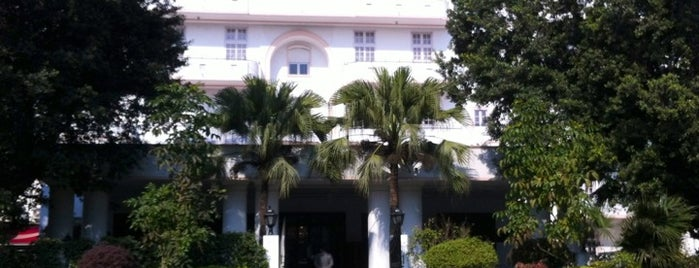 Vivanta by Taj - Ambassador is one of India 🇮🇳.