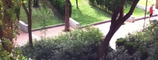 Jardins de Montserrat Roig is one of Los mejores sitios para hacer deporte en Barcelona.
