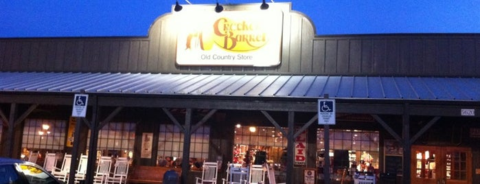 Cracker Barrel Old Country Store is one of Neal 님이 좋아한 장소.