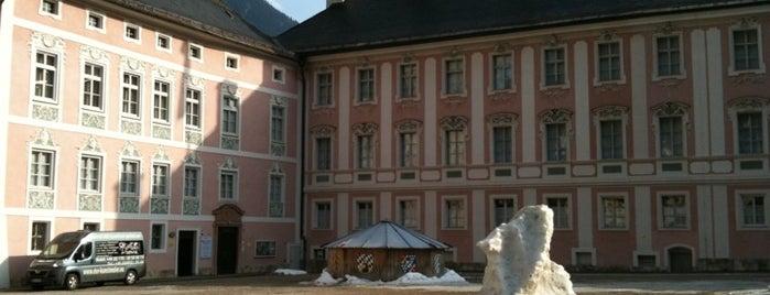 Königliches Schloss is one of Bayerische Alpen.