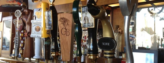Sheffield's Beer & Wine Garden is one of Off Duty: Save Your Own - Chicago Edition.