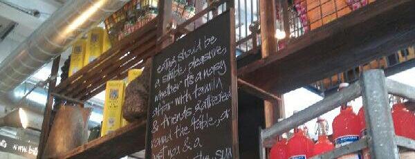 Bill's Restaurant is one of Gespeicherte Orte von Isa.