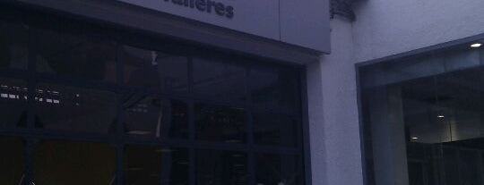 Renault Retail Group Avenida De Burgos is one of สถานที่ที่ Miguel ถูกใจ.