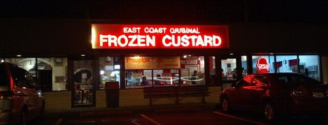 East Coast Original Frozen Custard is one of Sarahさんのお気に入りスポット.