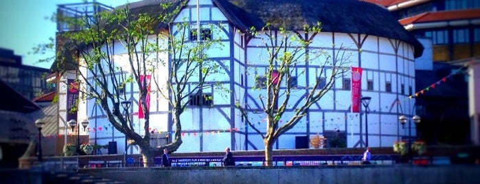 Shakespeare's Globe Theatre is one of UK14.