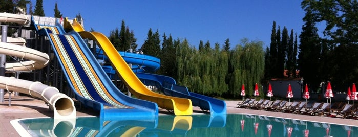 Waterland Aquapark is one of Lieux qui ont plu à 83.