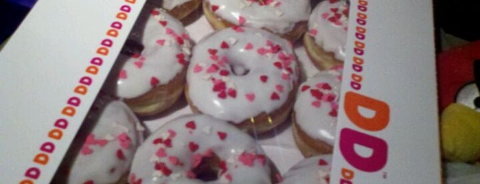 Dunkin' is one of Tempat yang Disukai Michael.