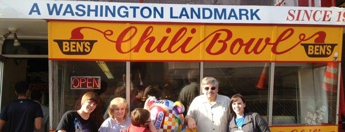 Ben's Chili Bowl is one of Orte, die John gefallen.